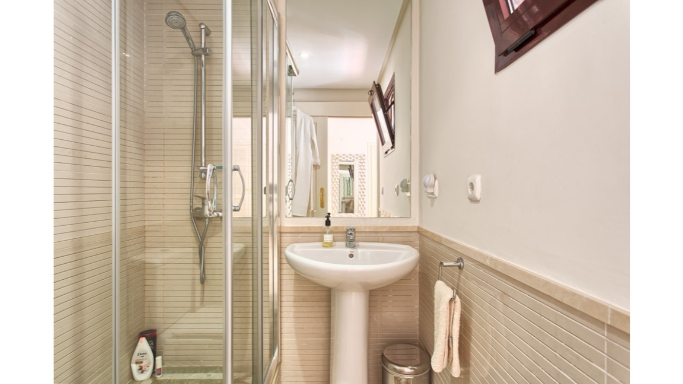 bathroom-badkamer-unico-for-sale - Unico Properties